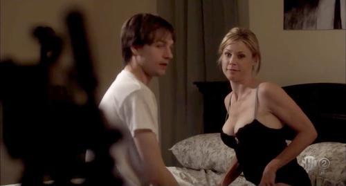 julie bowen sex scene