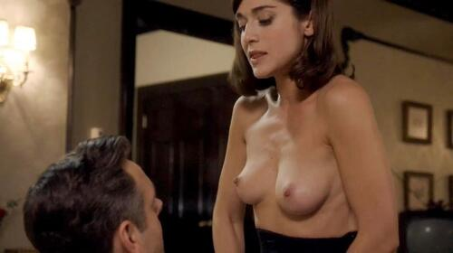 Farrah gives him a handjob in front of his stepmom janet 1
