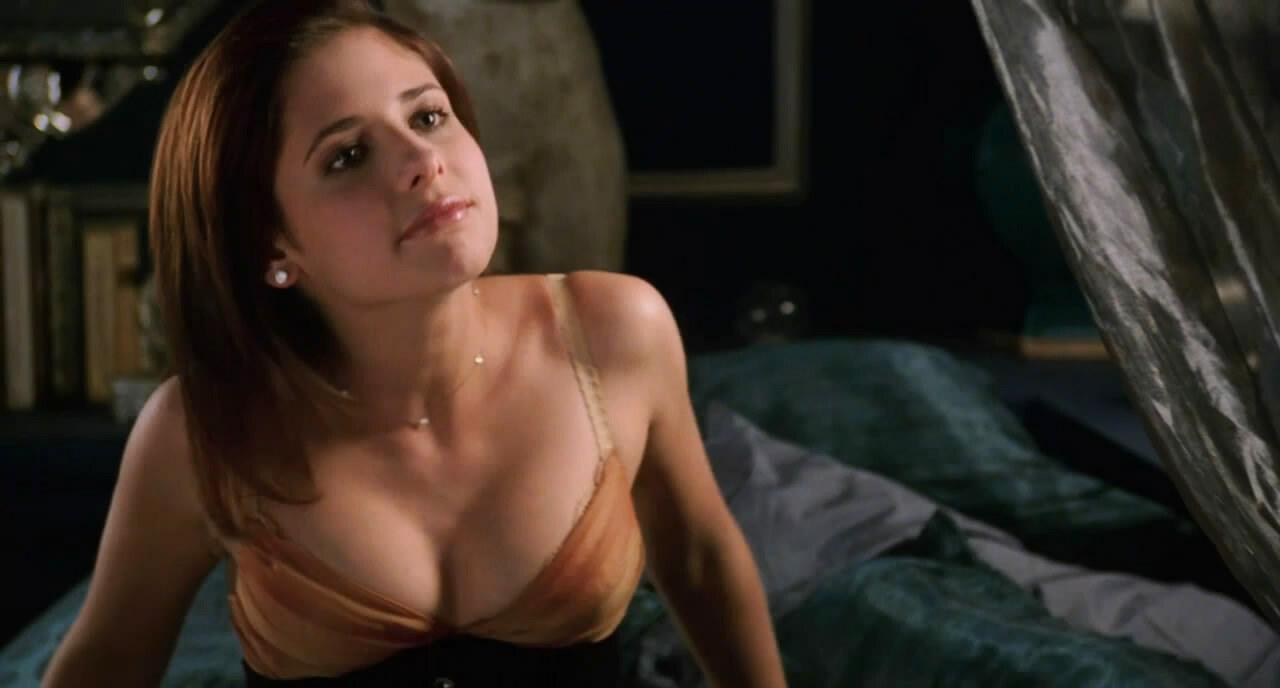 sarah-michelle-gellar-naked-pics-cum-swallowing-glory-hole-ohio