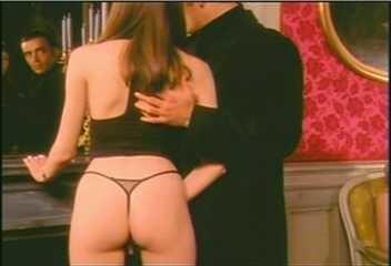 Alexandra nackt Lewis Lewis Gown