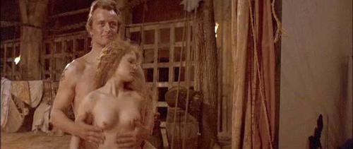 naked jennifer jason leigh