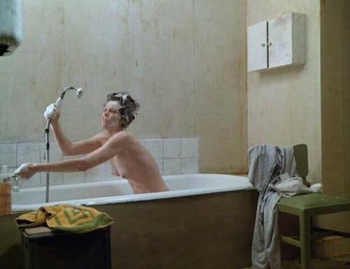 Sigourney weaver topless gif — img 3