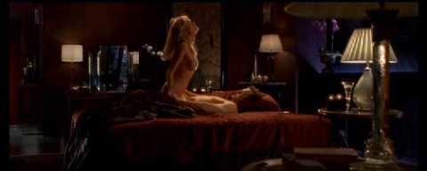 Basic Instinct 2 orgie scène massage corporel sex.com