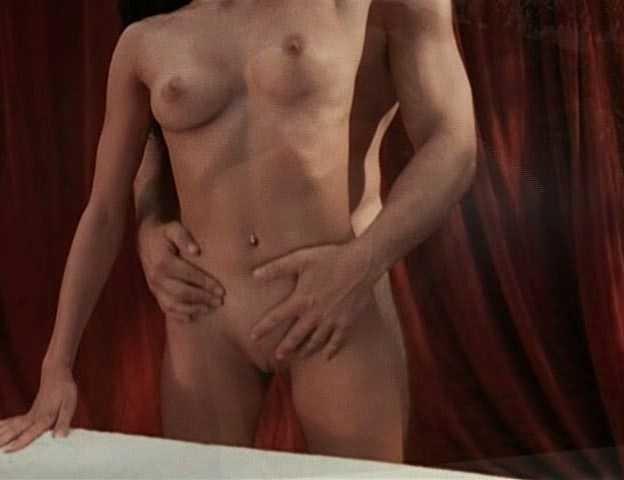 Nackt Alex Kingston  Kingston Pics