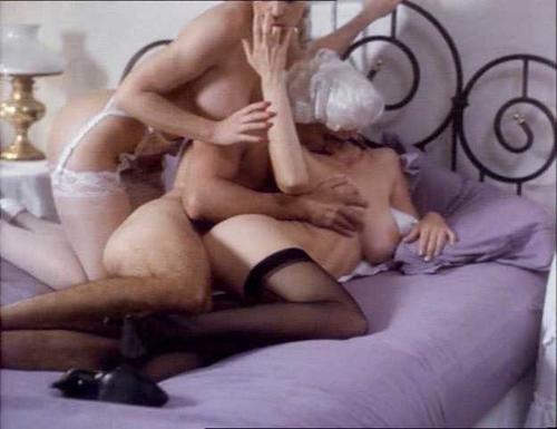 naked gir having sex