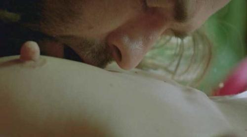 Milla jovovich pointy nipples naker foto 584