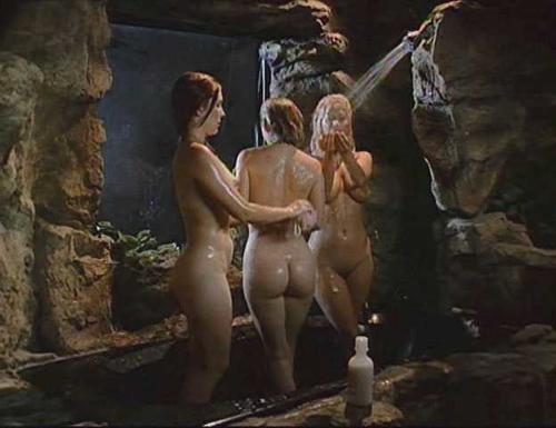 Jennifer Bergeron  nackt