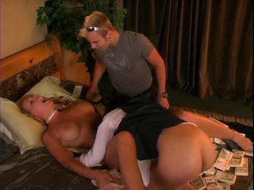 Nicole sheridan giving oral sex