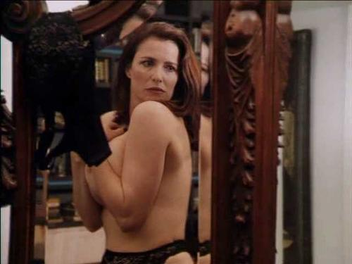 Elisabeth berkley dans showgirls - 3 part 6