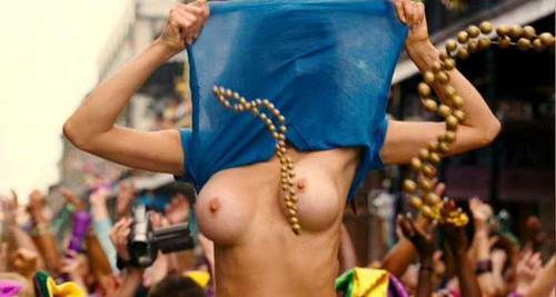 naked girls poll dancing