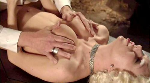 Susan Jennifer Sullivan  nackt