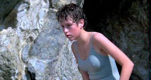 Nude scene molly ringwald