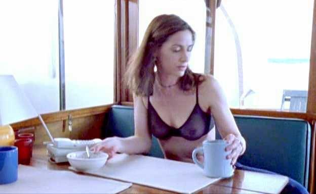 Nina Landey  nackt