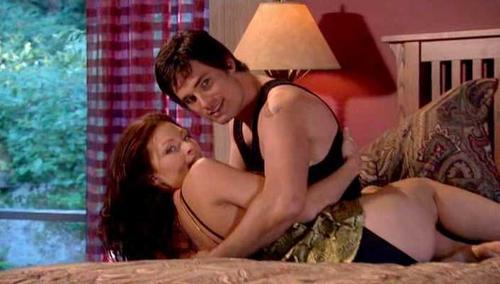 Grauer nude ona Smallville